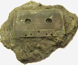 moderne-fossielen-cassettebandje
