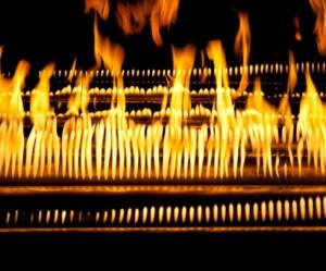 vuur-installatie-muziek-vlammen-yuri-suzuki