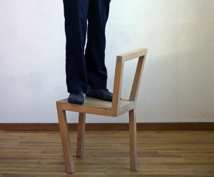 Stijn-Guilielmus-Ruys-houten-stoel-3-poten