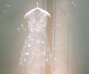 Glazen jurk van Mafune Gonjo