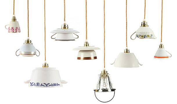 Lamp van oude porselijnen kopjes