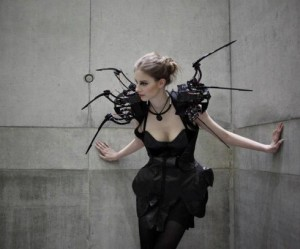 Anouk Wipprecht - Robot Jurk
