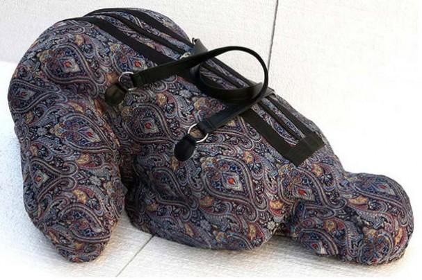 vrouw-bagage-beeld-stof-nausheen-saeed