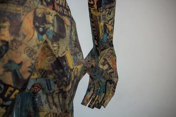 Papieren standbeeld van 2 meter hoog