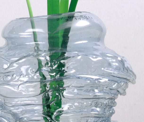 Plastic vaas