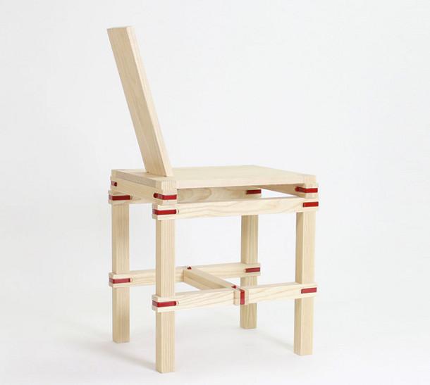Tijdelijke zitplaats op een houten stoel eyespired - Houten plastic stoel ...