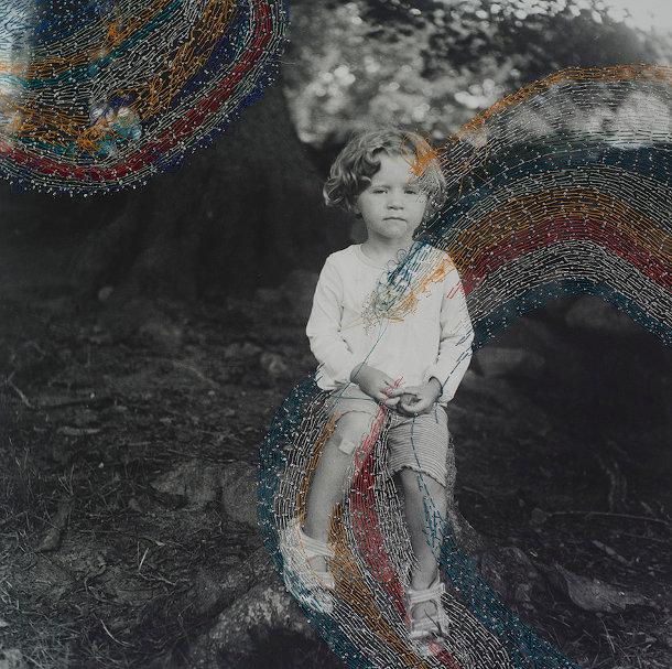 Geborduurd foto portret van Melissa Zexter