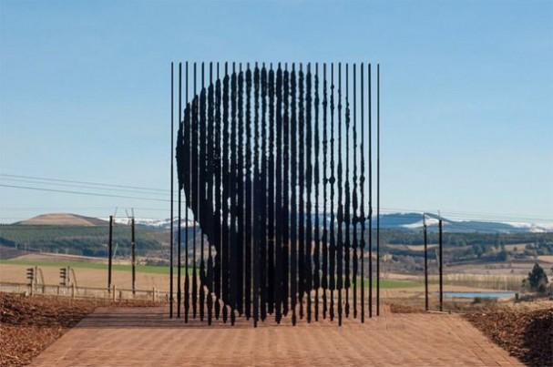 Nelson Mandela sculptuur