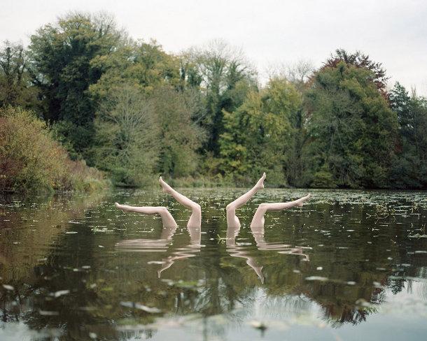 Foto's van synchroonzwemmen
