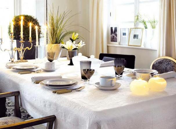 7 idee n voor een prachtig gedecoreerde tafel tijdens het kerstdiner eyespired - Decoratie tafel basse ...