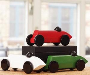 rode-houten-auto