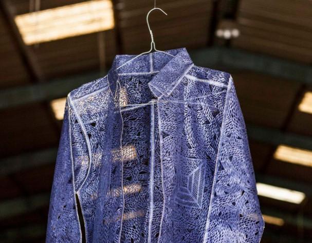papier-kleding-geometrie