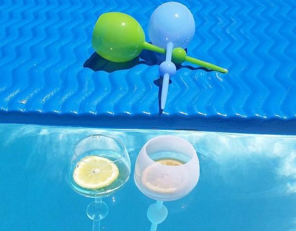 drijvende-wijnglazen-beach-glass