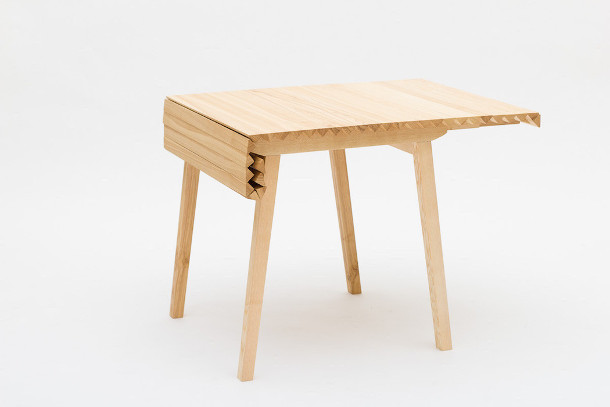 houten-uitschuifbare-design-tafel-2