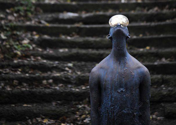 regendruppel-glas-brons-sculptuur