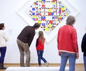 grote-kunstshow-gemeentemuseum-den-haag