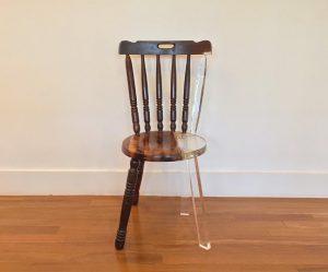 oude-stoelen-acryl