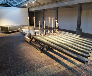 geluidsinstallatie-kaarsen-orgelpijpen