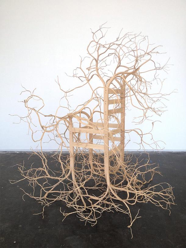 beeldhouwen-houten-stoelen-3