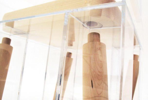 ontplofte-houten-stoel