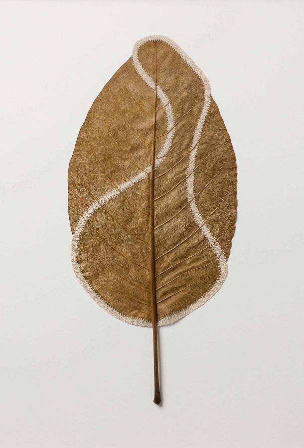 gedroogde-bladeren-sculpturen-2