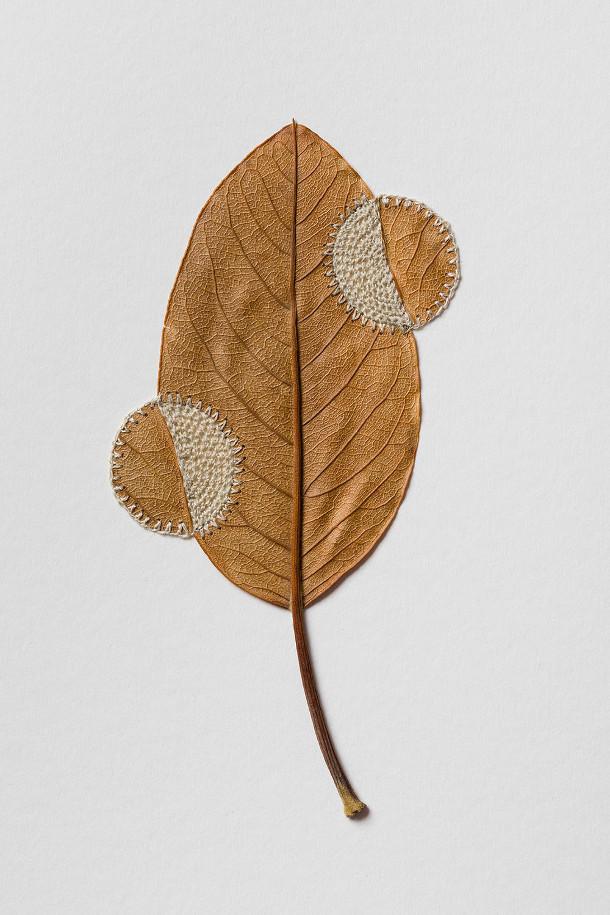 gedroogde-bladeren-sculpturen-3