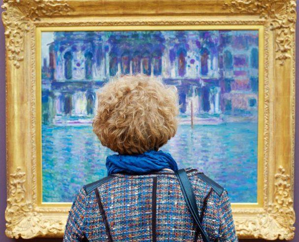 museumbezoekers-kunstwerk-6