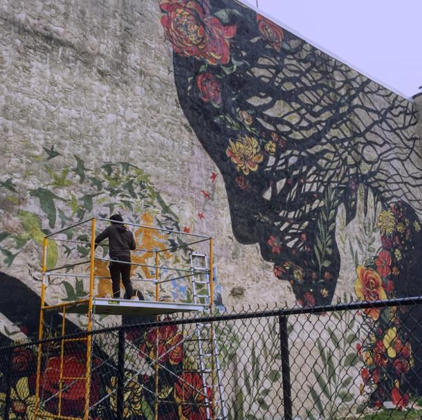 muurschildering-moeder-aarde-2