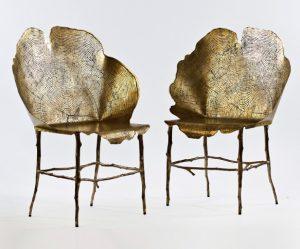 bronzen-stoelen-boomstronk