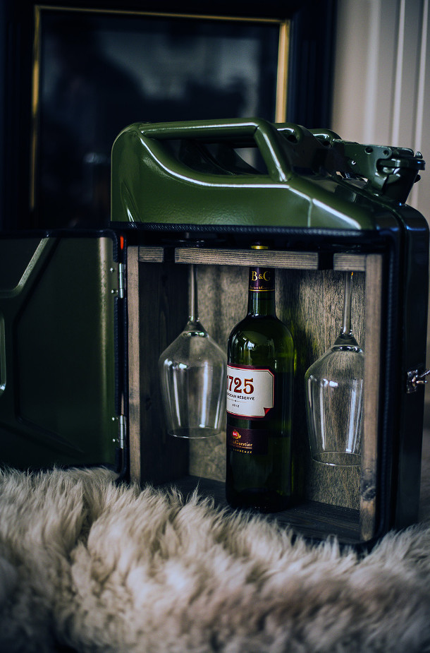 jerrycan-bar-aquarium-3
