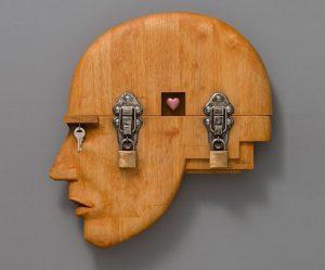 surrealistische-houten-beelden