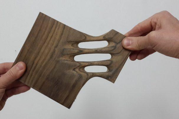 abstracte-houten-sculpturen