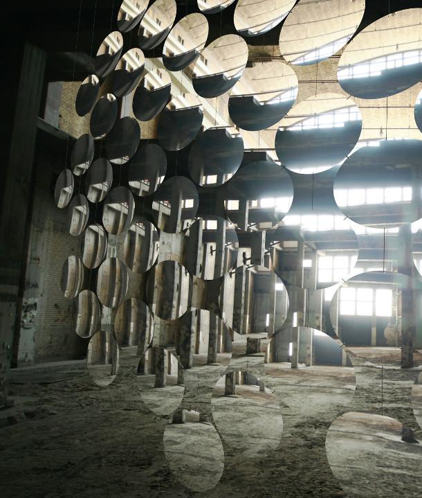 installatie-abstracte-weerspiegelingen-2