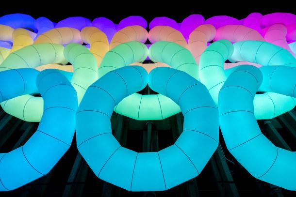kleur-opblaasbare-installatie-2
