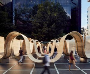 gebogen-houten-installatie