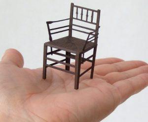 beroemde-papieren-stoelen-1-16