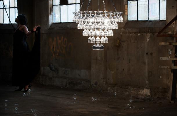 Hanglamp met wijnglazen van Leitmotiv