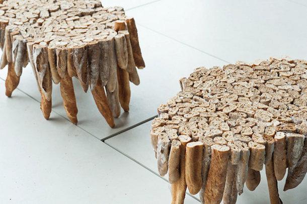 Tafel van oud stokbrood