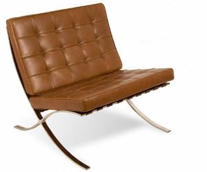 Bruine Barcelona stoel van Mies van der Rohe
