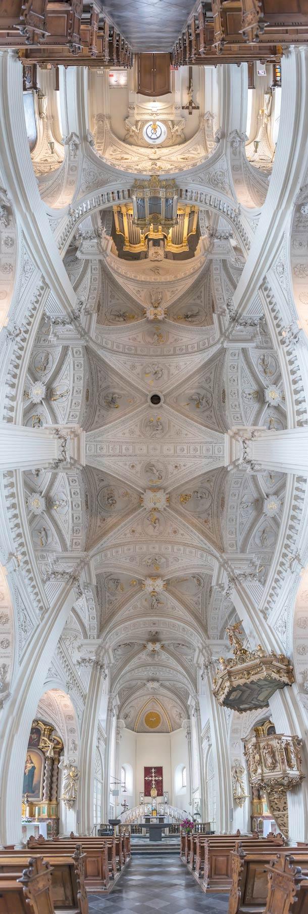 Panorama foto van een kerk