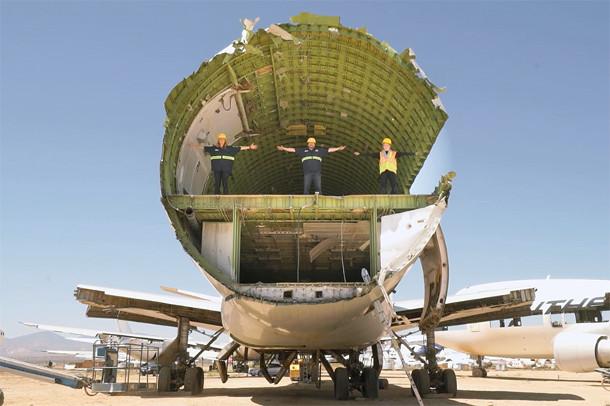 boeing-747-burning-man-7