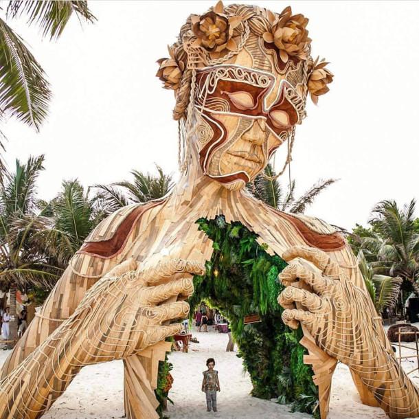 houten-sculptuur-strand-2
