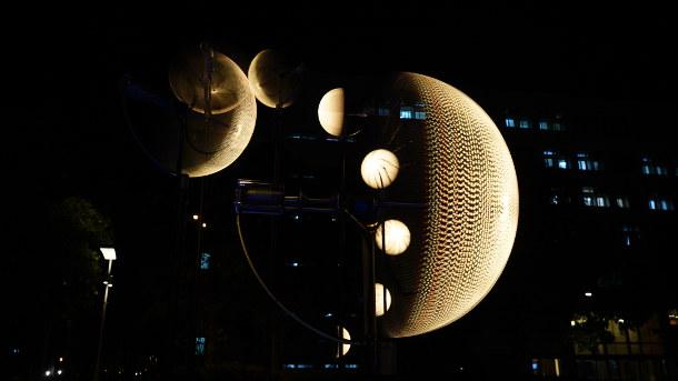 maan-kinetische-installatie-3
