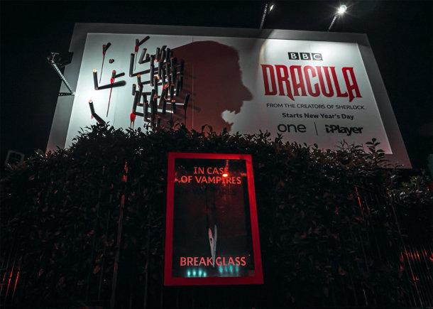 billboard-tanden-dracula